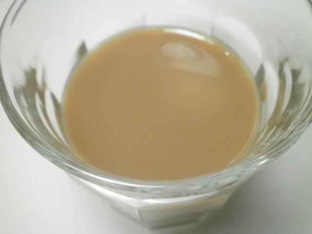 明治深みミルク紅茶04