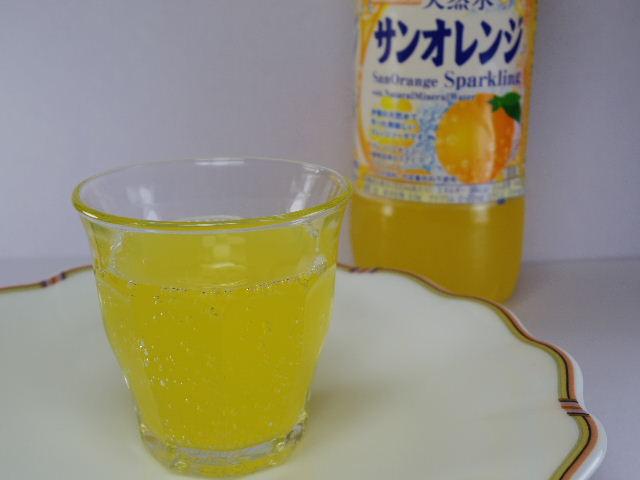 サンガリア天然水サンオレンジ4